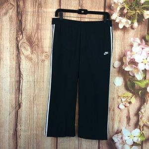 Nike | black with white striped capris size small